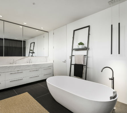 modern-white-bathroom-with-bath-tub